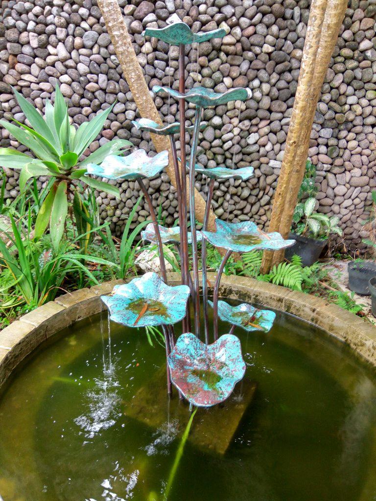 air mancur tembaga dan kuningan
