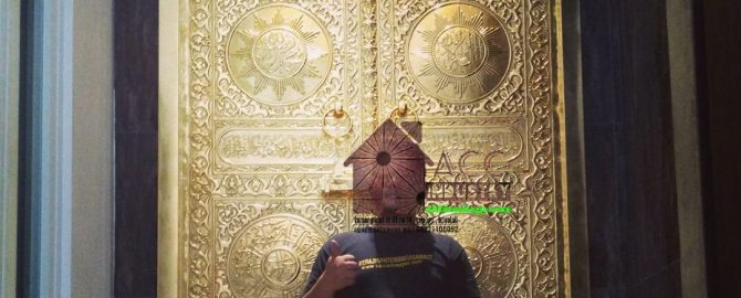pintu ka'bah tembaga kuningan